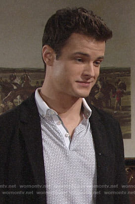 Kyle's grey geometric printed polo shirt on The Young and the Restless