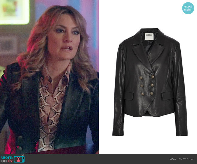 L'Agence Double-breasted leather blazer worn by Mädchen Amick on Riverdale