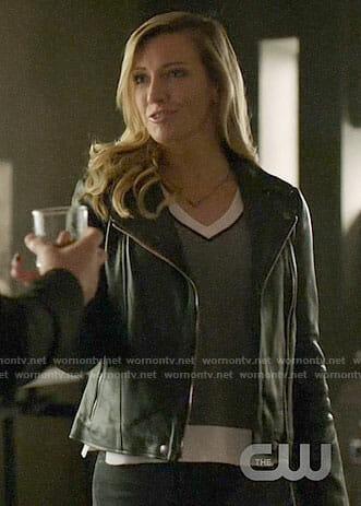 Laurel's grey v-neck sweater with white trim on Arrow