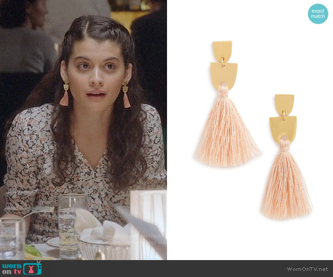 Madewell Tassel Earrings worn by Sofia Black D'Elia on The Mick