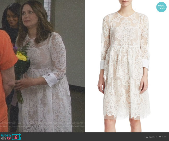 Floral Lace Dress by No.21 worn by Quinn Perkins (Katie Lowes) on Scandal
