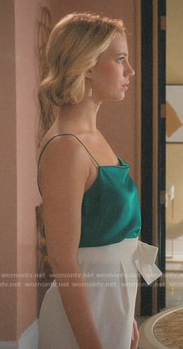 Petra's green cami on Jane the Virgin