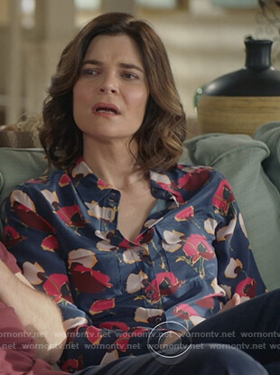 Heather's blue floral print blouse on Life in Pieces