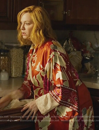 Beth's red floral print robe on Good Girls
