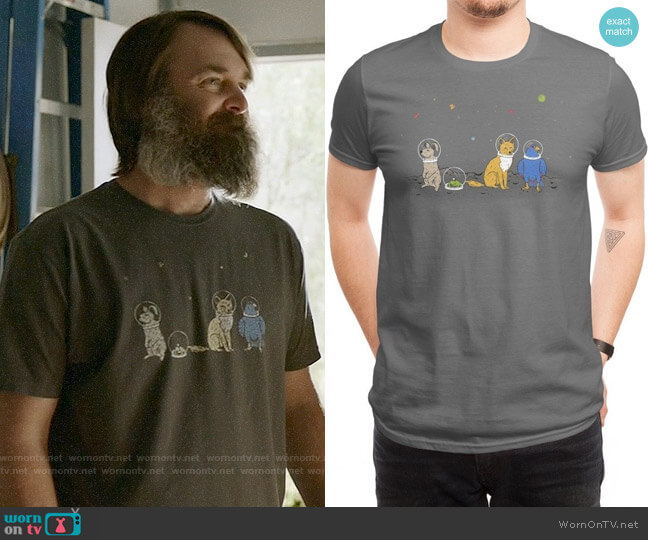 Threadless Do A Barrel Roll T-shirt worn by Phil Miller (Will Forte) on Last Man On Earth