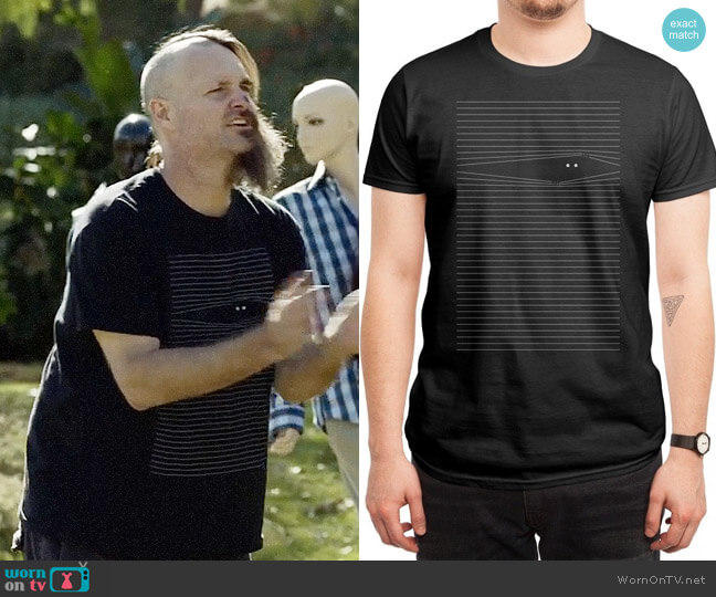 Threadless Everybody Knows T-shirt worn by Will Forte on Last Man On Earth