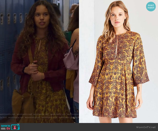 Tyler Split-Neck Bell-Sleeve Mini Dress by Ecote at Urban Outfitters worn by Alisha Boe on 13 Reasons Why