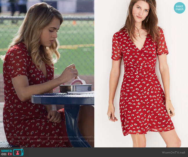 wrap-front mini dress in seattle floral by Madewell worn by Chloe Rice (Anne Winters) on 13 Reasons Why