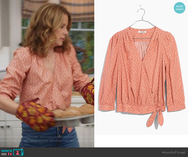 Wrap Top in Star Scatter by Madewell worn by Lena (Jenna Fischer) on Splitting Up Together