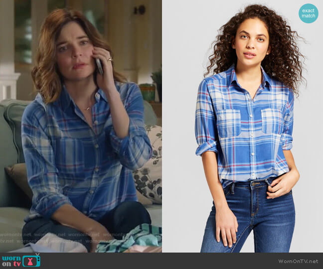 Long Sleeve Plaid Shirt by Universal Thread at Target worn by Betsy Brandt on Life in Pieces