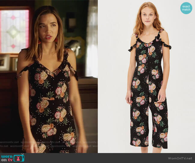 Petite Floral Print Jumpsuit by Topshop worn by Cassandra (Georgie Flores) on Famous in Love