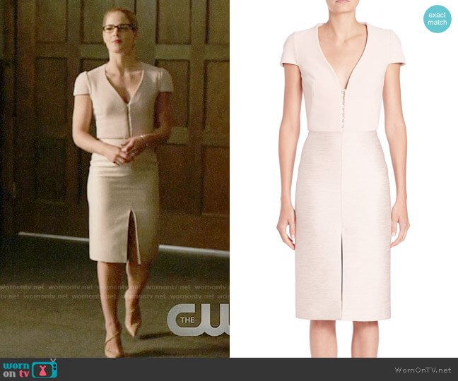 Alexander McQueen V-neck Sheath Dress worn by Felicity Smoak (Emily Bett Rickards) on Arrow