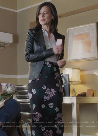 Nina's leather jacket and floral print skirt on Famous in Love
