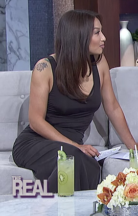 Jeannie's black ruched sleeveless dress on The Real