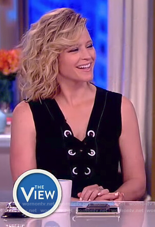 Sara's black sleeveless lace-up top on The View