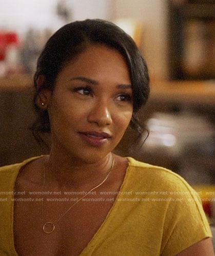 Iris's yellow tee on The Flash