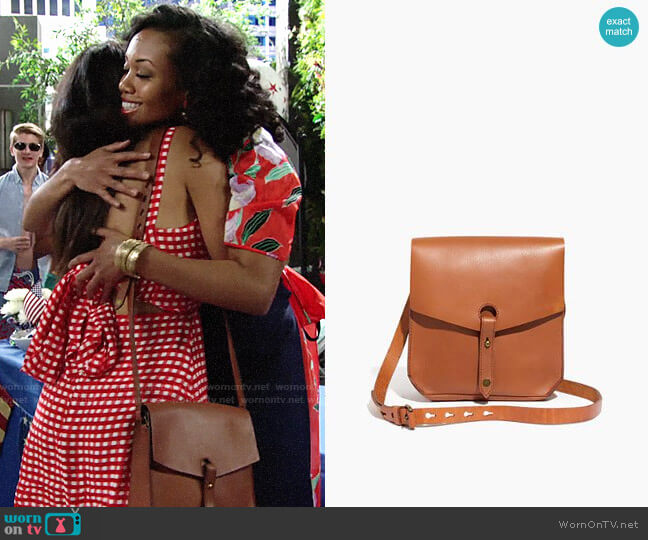 Madewell The Brisbane Crossbody Bag worn by Shauna (Camryn Hamm) on The Young & the Restless