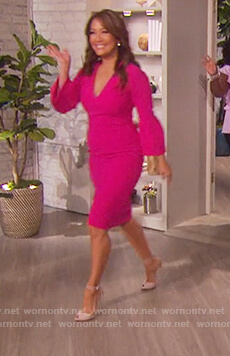 Carrie's pink v-neck bell sleeve dress on The Talk