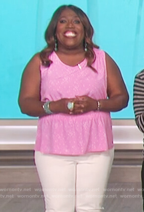 Sheryl's pink printed sleeveless top on The Talk