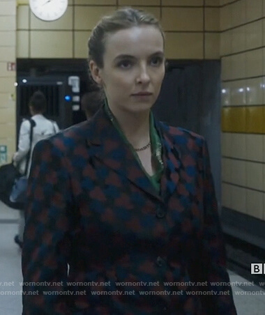 Villanele's printed brocade blazer on Killing Eve