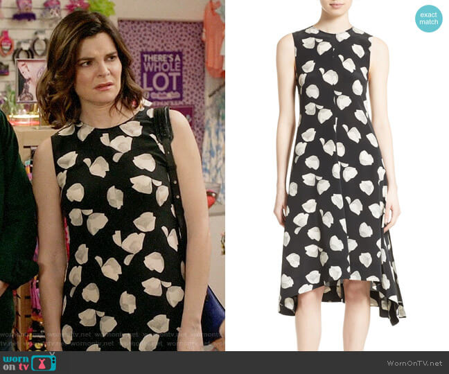 Theory Nophella B Harper Print Silk Dress worn by Betsy Brandt on Life in Pieces