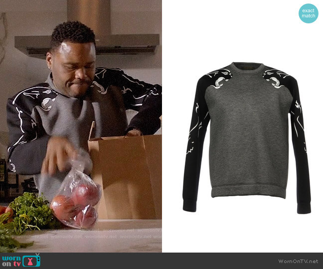 Valentino Panther Sweatshirt worn by Andre Johnson (Anthony Anderson) on Blackish