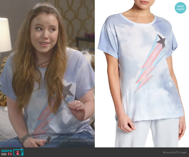 Heavens Manchester Star Tee by Wildfox worn by Kendra Gable (Taylor Spreitler) on Kevin Can Wait