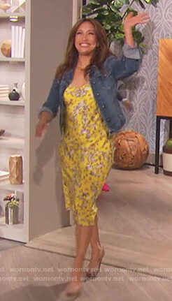 Carrie Inaba's yellow floral print dress on The Talk