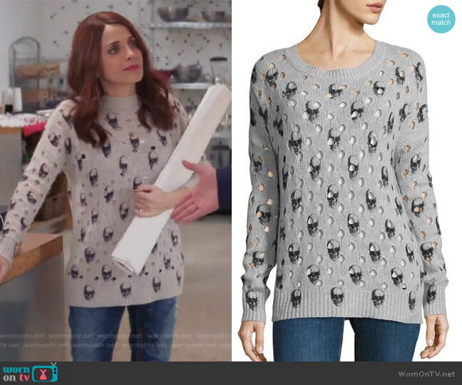 Avril Skull Cashmere Jumper by 360 Cashmere worn by Alanna Ubach on GG2D