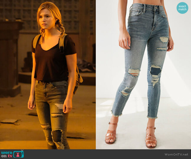 BDG Twig Crop High-Rise Skinny Jean - Distressed Patch worn by Olivia Holt on Cloak & Dagger