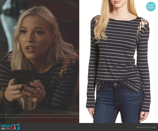 Rowboat Top by Bailey 44 worn by Maddie Jaymes (Lennon Stella) on Nashville
