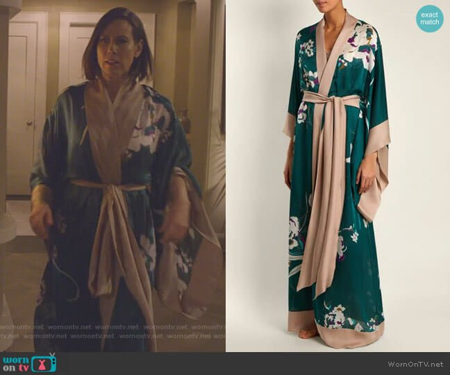 Floral-Print Silk-Satin Kimono Robe by Carine Gilson worn by Miriam Shor on Younger