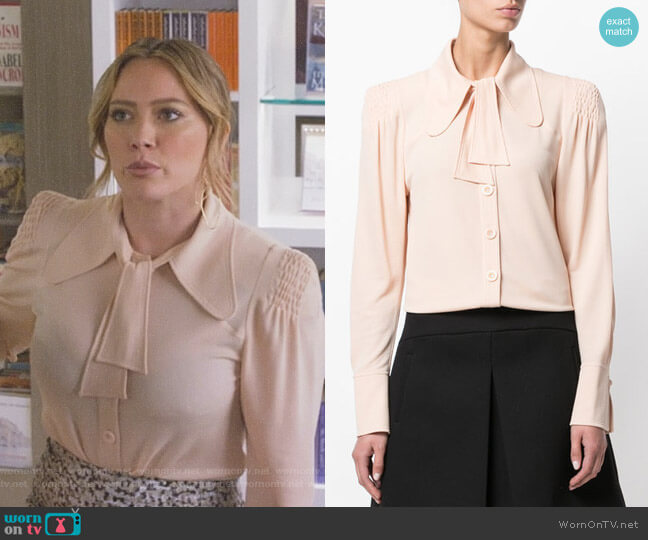 Flou blouse by Chloe worn by Kelsey Peters (Hilary Duff) on Younger