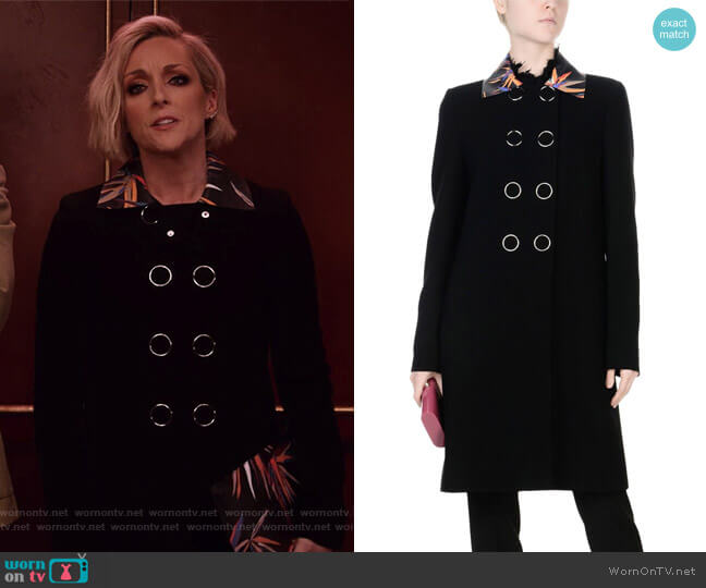 Double Breasted Pea Coat by Emilio Pucci worn by Jane Krakowski on Unbreakable Kimmy Schmidt