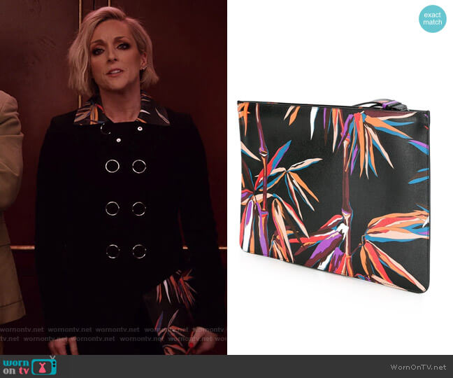 Palm Tree Clutch Bag by Emilio Pucci worn by Jane Krakowski on Unbreakable Kimmy Schmidt