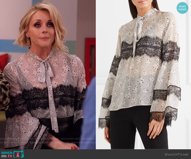 Pussy-bow lace-trimmed printed silk-chiffon blouse by Giambattista Valli worn by Jacqueline Voorhees (Jane Krakowski) on Unbreakable Kimmy Schmidt