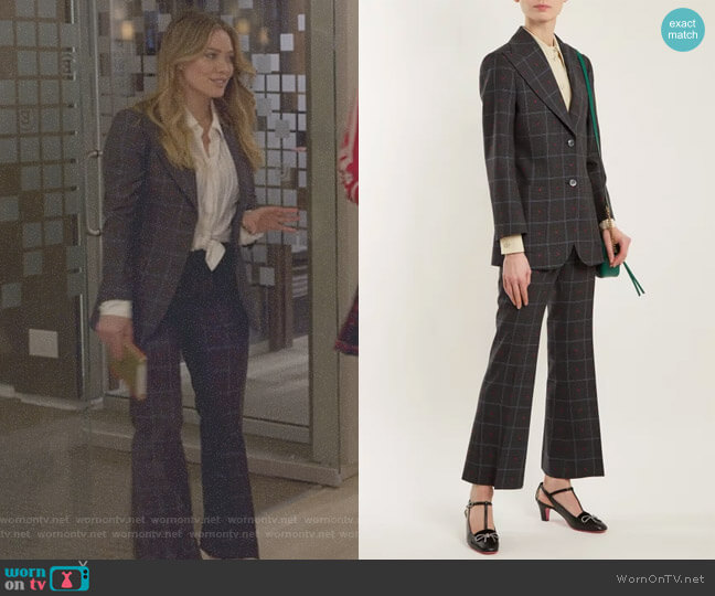 Heart-jacquard Peak-Lapel Blazer and Trousers by Gucci worn by Kelsey Peters (Hilary Duff) on Younger