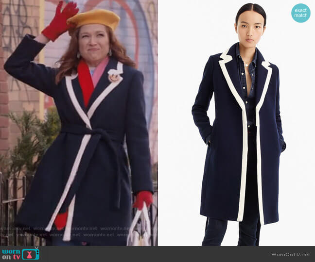 Tipped topcoat in Italian stadium-cloth wool by J. Crew worn by Ellie Kemper on Unbreakable Kimmy Schmidt
