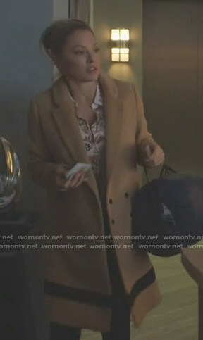 Jessie's camel coat on Nashville