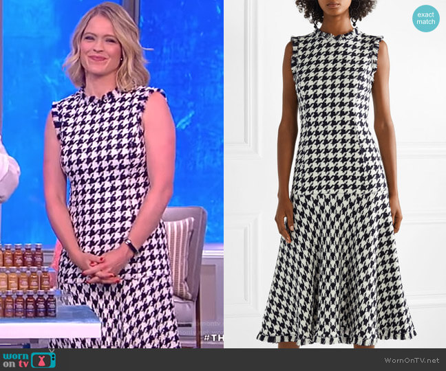 Fringed houndstooth wool-blend tweed dress by Oscar De La Renta worn by Sara Haines  on The View