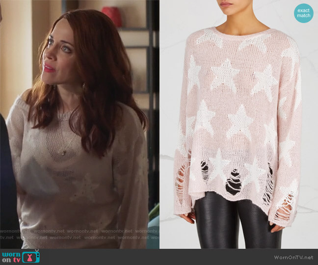 Seeing Stars Distressed Open-Knit Jumper by Wildfox worn by Jo (Alanna Ubach) on GG2D