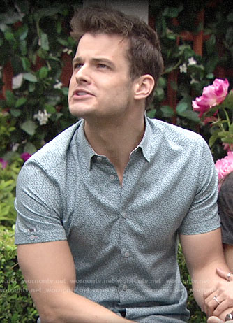 Kyle's blue printed short-sleeve shirt on The Young and the Restless