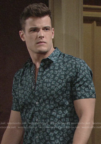 Kyle's square print shirt on The Young and the Restless