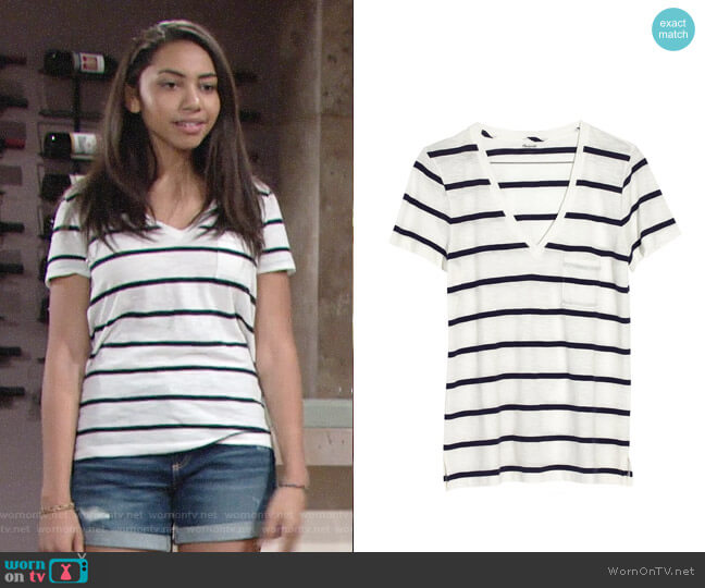 Madewell V-neck Pocket Tee worn by Shauna (Camryn Hamm) on The Young & the Restless