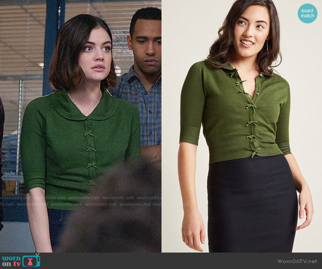 ModCloth Banned Generous to a Malt Cardigan in Spearmint  worn by Stella Abbott (Lucy Hale) on Life Sentence