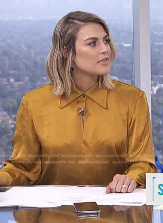 Carissa's yellow blouse on E! News Daily Pop