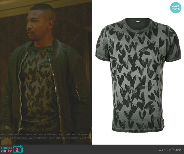 Heart Print T-Shirt by Diesel worn by Marcel Gerard (Charles Michael Davis) on The Originals