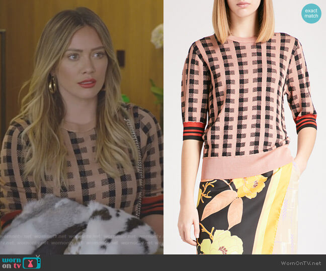 Jayan wool-blend sweater by Dries Van Noten worn by Hilary Duff on Younger