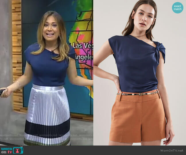 Trinny Twist Sleeve Detail Top by Reiss worn by Ginger Zee  on Good Morning America