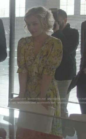 Scarlett's blue floral puff sleeve dress on Nashville